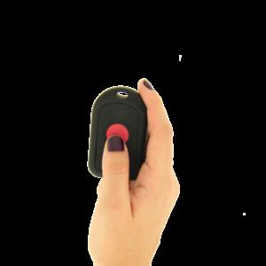 bouton-sos-dans-une-main