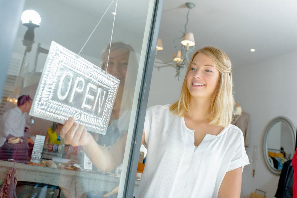 magasin-ouvert-avec-kit-easy-alert-magneta